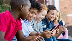 When Should You Get Your Tween a Phone?